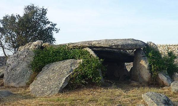 ladas dolmen in luras