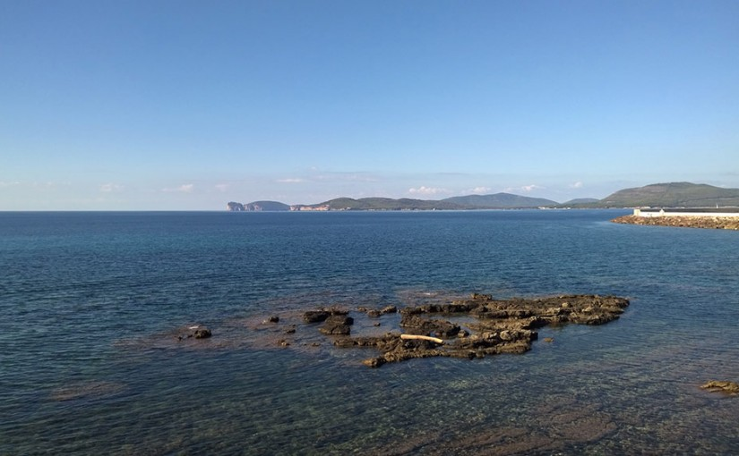 Discovering Alghero beaches by car