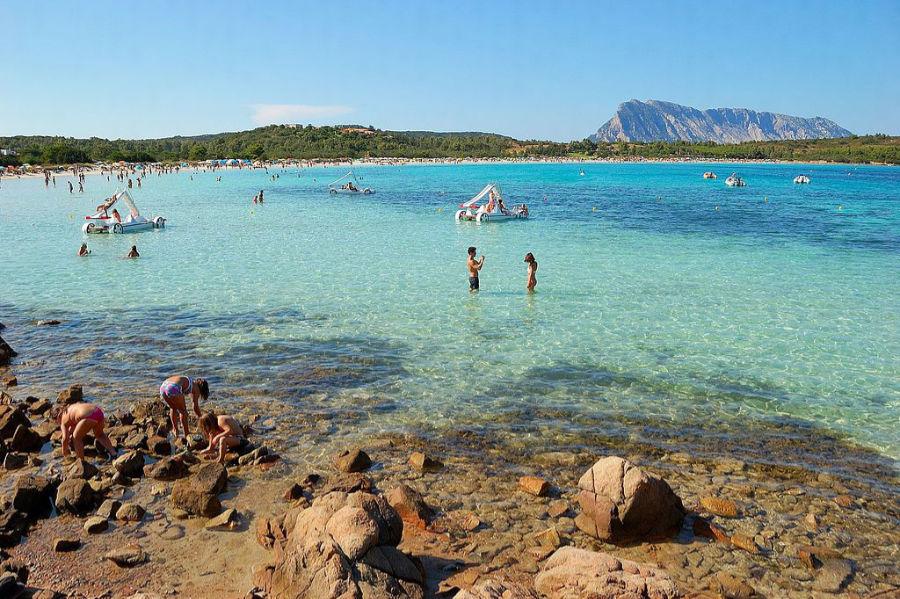 sardinia beach cala brandinchi